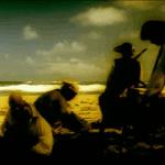 Piratas escondiendo un tesoro en la playa