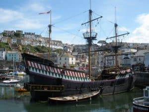 Brixham y la replica del famoso barco Golden