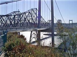 Puente de Vallejo en el Norte de California de América