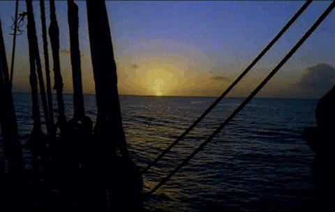 Puesta de sol vista desde un barco