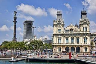 Puerto de Barcelona y estatua de Colón