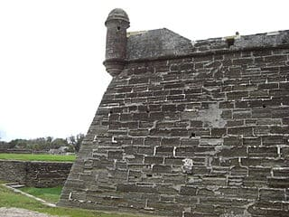 Castillo de San Marcos, murallas y garita en Florida U.S