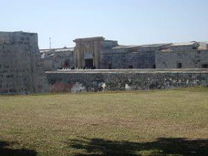 Entrada a Castillo de San Carlos de la Cabaña