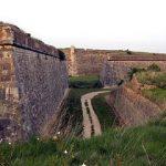 Fortaleza de San Fernando y sus fosos