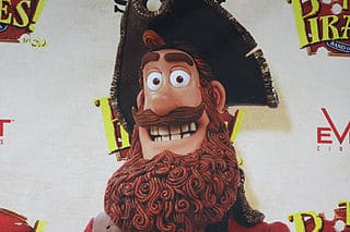 Dibujo del pirata paciente y barbudo