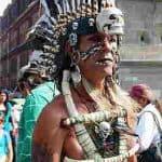 Guerrero Mexic, ataviado con sus ornamentos