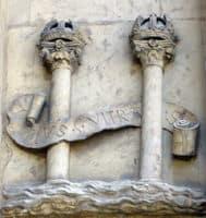 Columnas de Herculles y franja de Plus Ultra