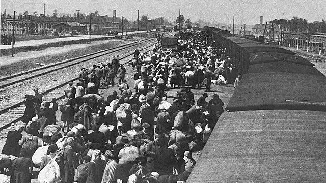 Angel Sanz Briz trata de evitar el envío de judíos a Auschwitz