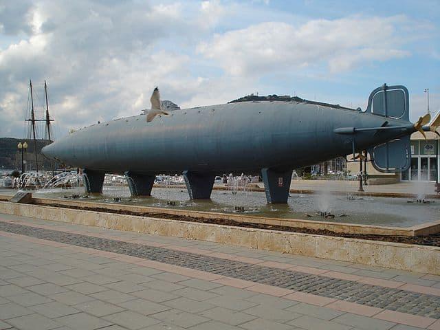 Casco del Submarino de Peral en el Puerto de Cartagena
