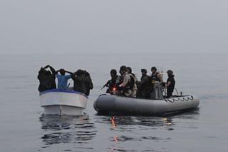 Captura por marines de una lancha de piratas