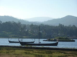 Barcos vikingos anclados en Catoria, Galicia